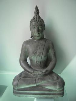Buda sentado grande